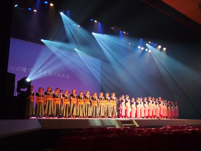 出演者全員による合唱