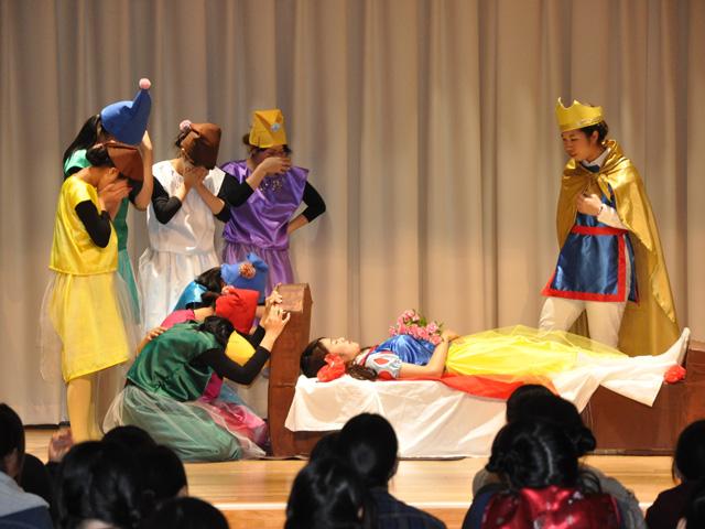劇『白雪姫』