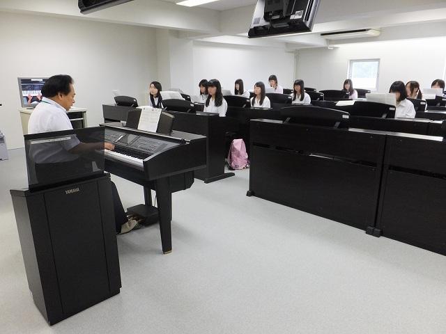 体験授業:うたとピアノ