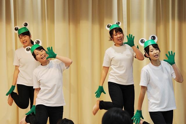 身体表現『踊ろう歌おう楽しもう-みんなでつながる身体表現-』①
