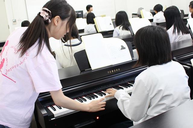 体験授業:これからピアノをがんばる人の保育ピアノ